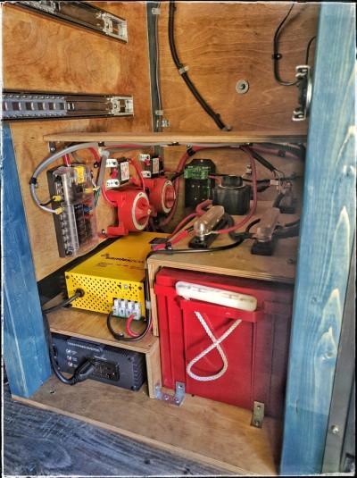 Camper Electrical System : Faroutvan quot hr el campervan conversion for mountain