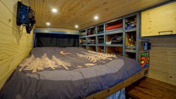 Faroutride Bedroom